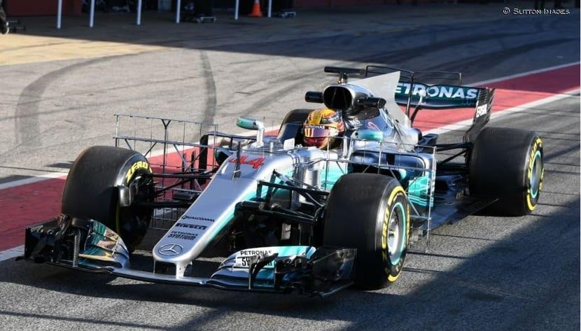 Mercedes W08 con rakes de sensores: F1 2017