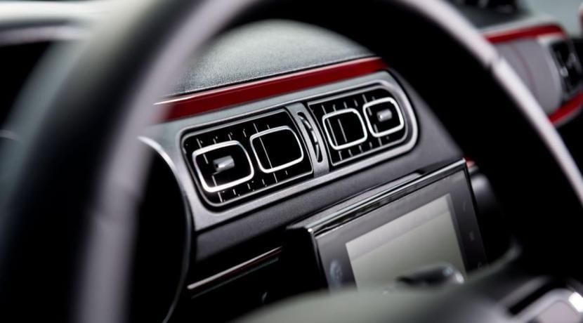 Volante e interior del Citroën C3