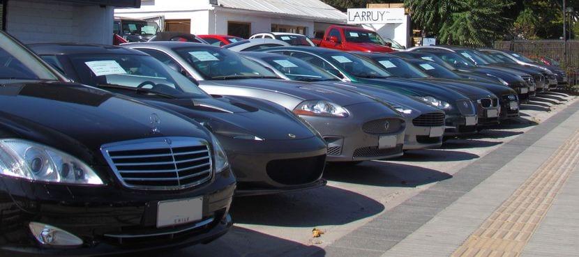 Mejor comprar un coche usado a un profesional que a un particular