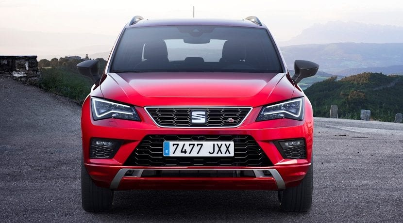 Automobile Barcelona Connected HUB Seat Ateca FR