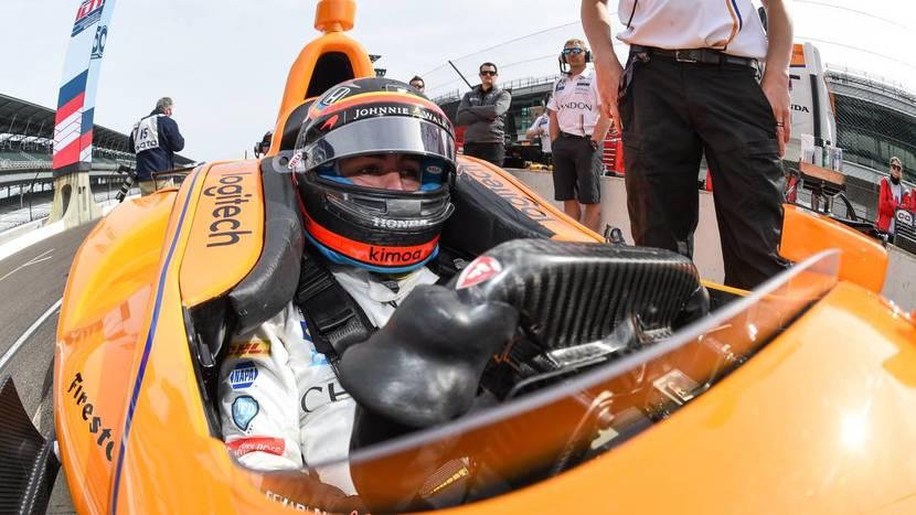 Alonso en el McLaren-Honda de Andretti en Indy 500