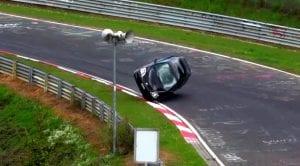 Honda Civic Type R vuelca en Nüburgring