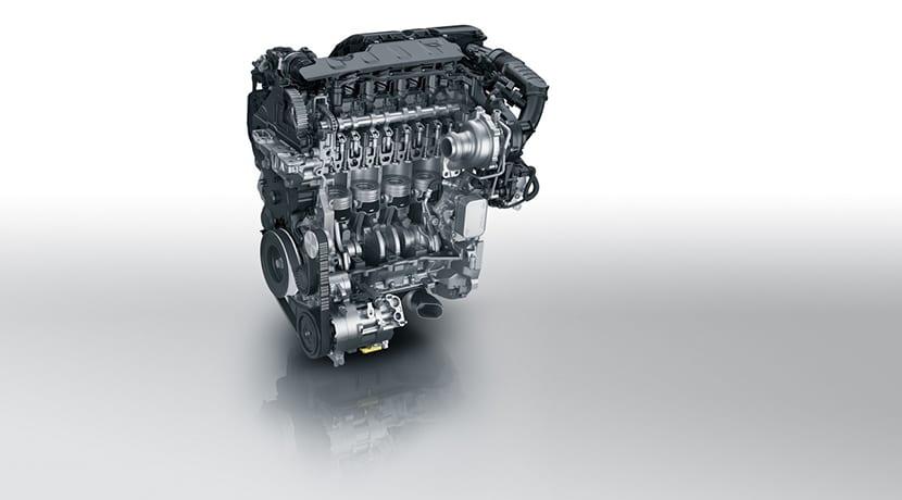 Motor Peugeot diésel cuatro cilindros