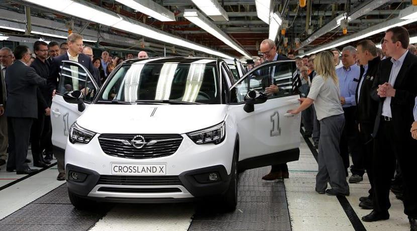 Primer Opel Crossland X sale de la fábrica de Zaragoza