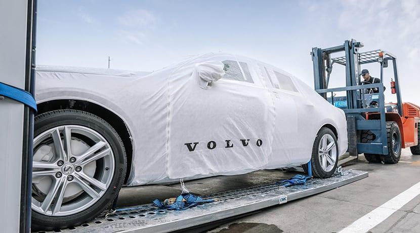 El Volvo S90 se importa a Europa en tren desde China