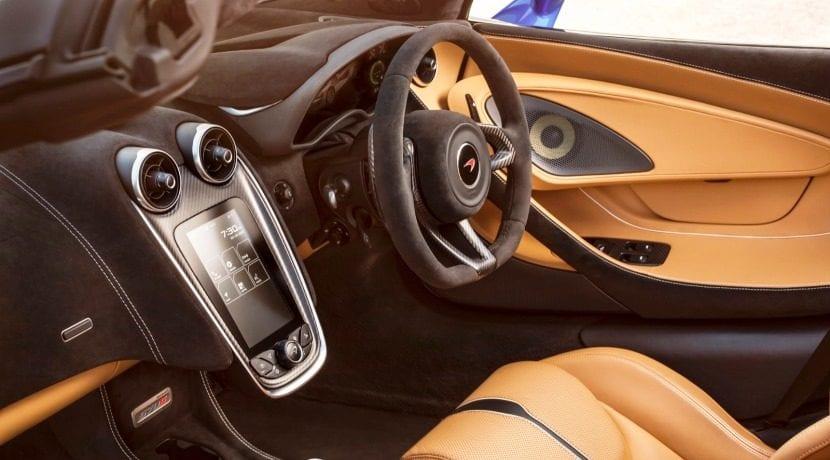 McLaren 570S Spider 3