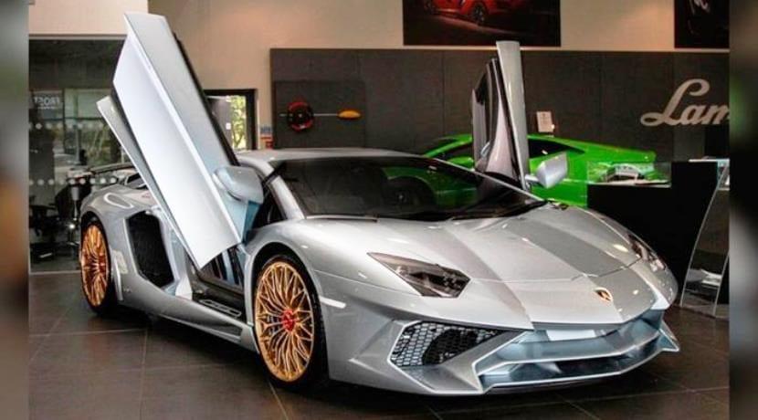 Lamborghini Aventador SV Coupé Finale 1