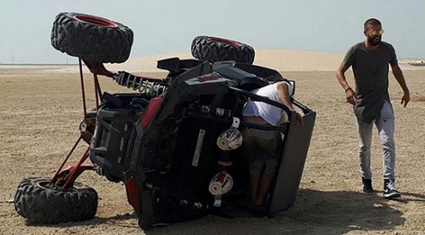 Gerard Piqué sufre un accidente con un buggy