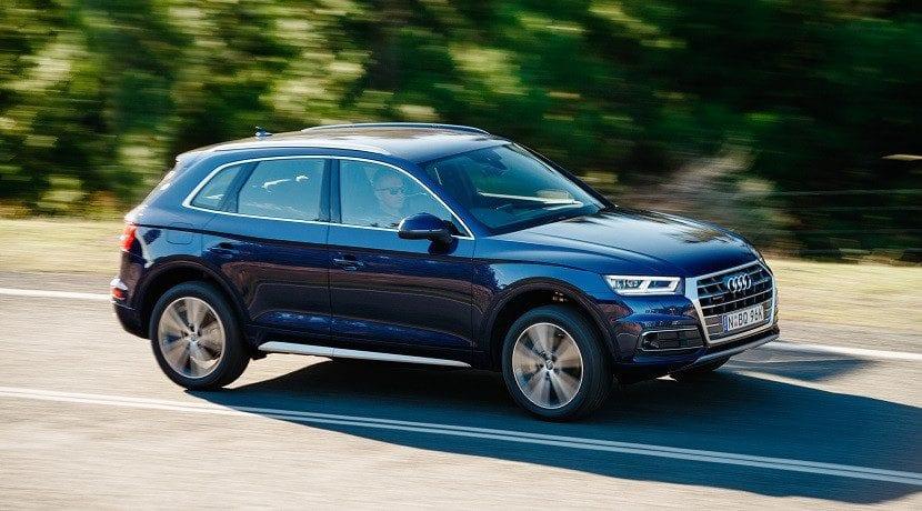 Lateral Audi Q5 e-tron