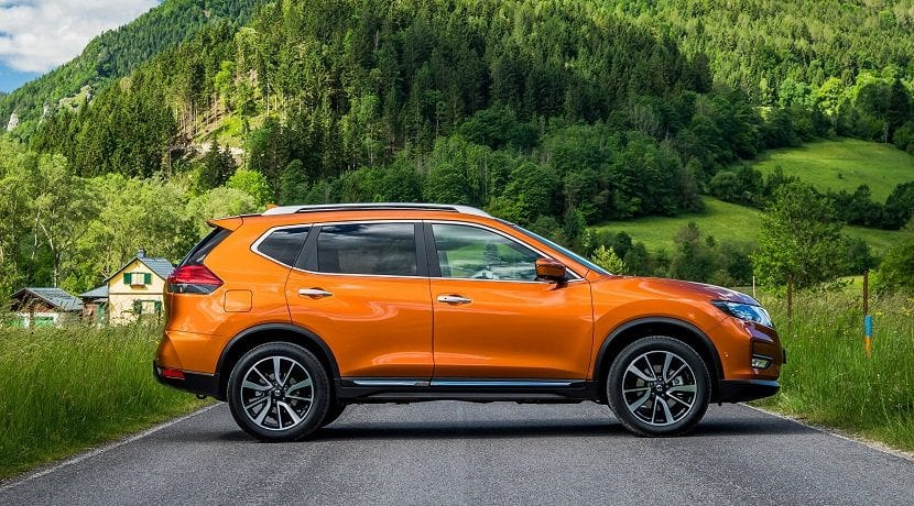 Lateral Nissan X-Trail 2017 ya a está a la venta