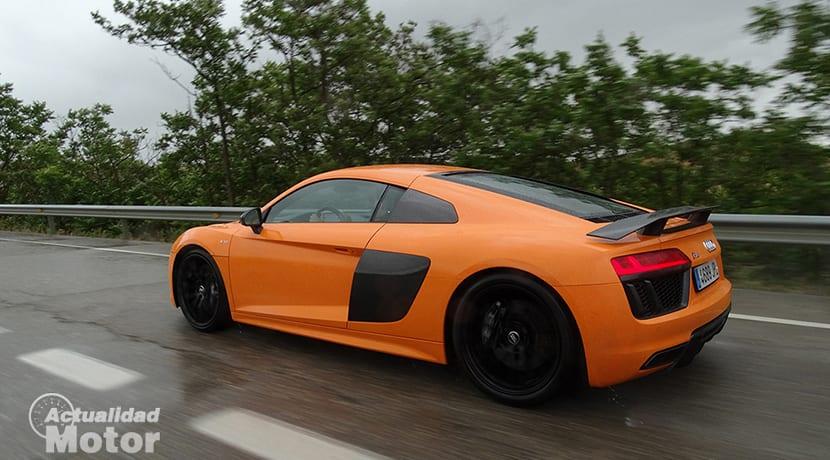 Prueba Audi R8 V10 Plus con lluvia