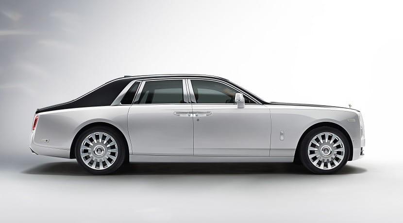 Lateral del Rolls-Royce Phantom 2018
