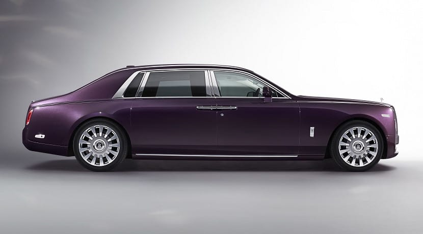 Lateral del Rolls-Royce Phantom 2018