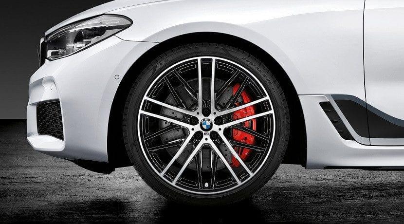 Frenos y llantas de los Accesorios M Performance para el BMW Serie 6 GT