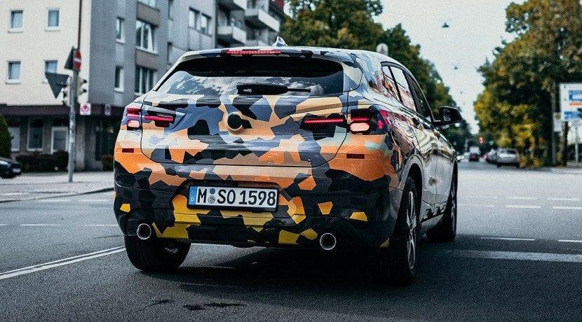 Trasera del BMW X2 camuflado