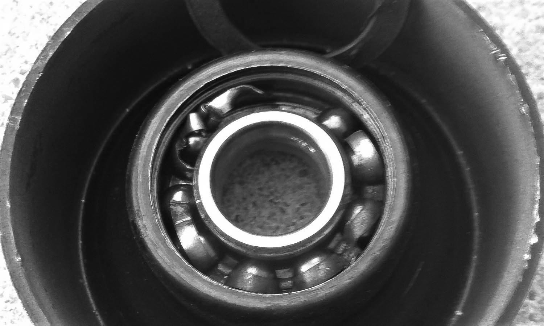 Los rodamiento pueden ser a causa de que el coche vibre al frenar