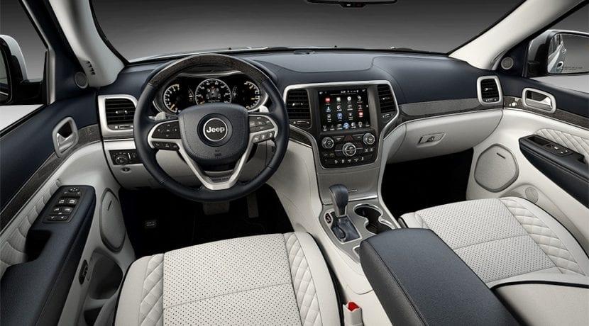 Jeep grand cherokee ficha t cnica pruebas motores y - 2017 jeep grand cherokee interior colors ...