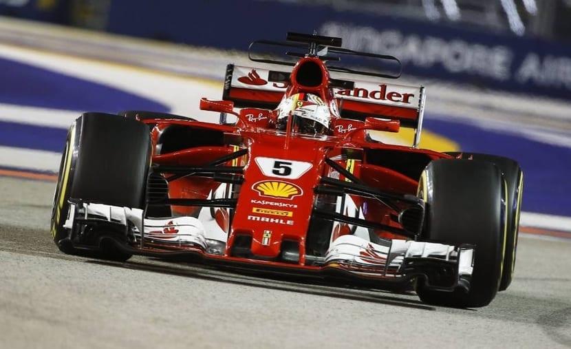 GP de Singapur Ferrari 2017 con Vettel