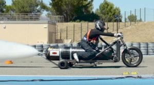François Gissy y su triciclo de agua a presión