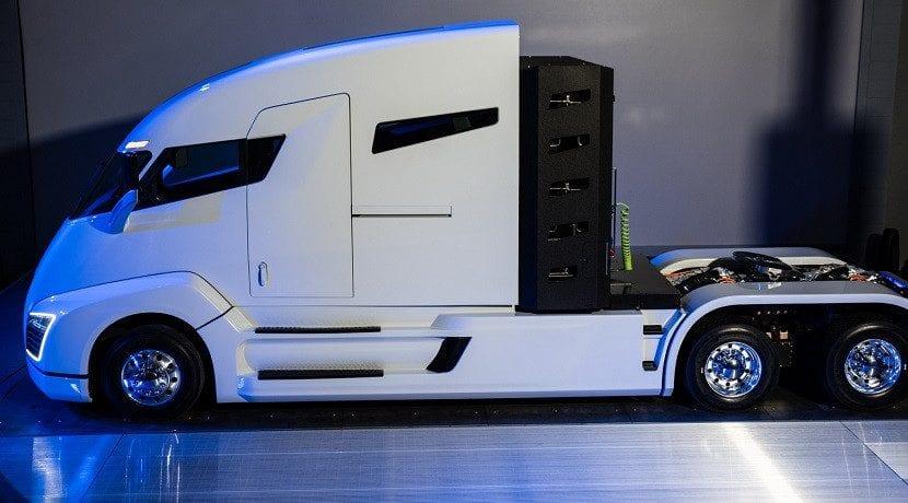Alianza de Nikola y Bosch para lanzar el Nikola One (lateral del camión)