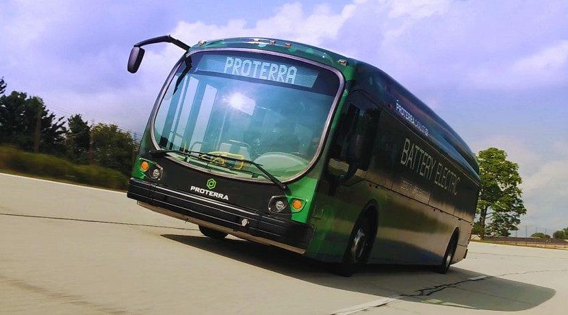 Frontal del Proterra Catalyst E2 Max récord de autonomía