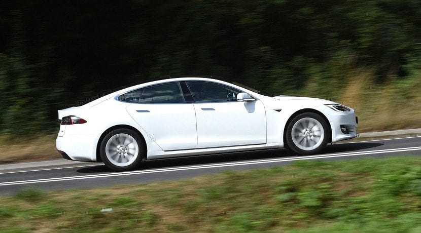 Tesla aumenta la autonomía del las versiones 60 y 60D (Foto del Model S 60D)