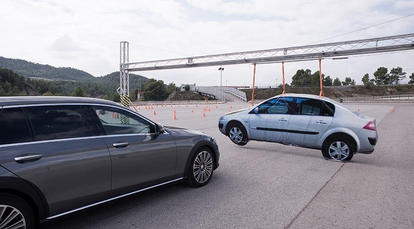 Servofreno de emergencia activo con función para cruces Mercedes