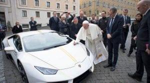 Lamborghini Huracan Papa Francisco