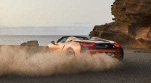 BMW i8 Roadster derrapando