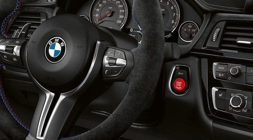 Botón de arranque rojo del BMW M3 CS