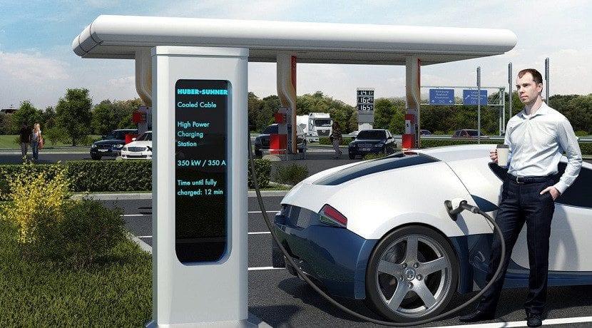 Supercargadores para coches híbridos enchufables o 100 eléctricos