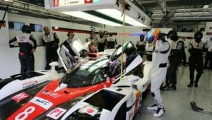 Alonso con el LMP1 de Toyota