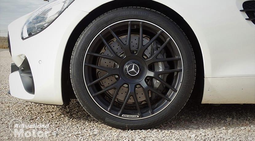 Prueba Mercedes-AMG GT Roadster llantas y sistema de frenos