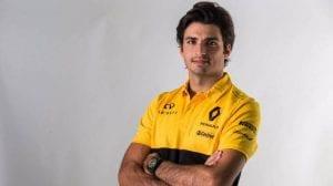 Carlos Sainz con uniforme de Renault F1