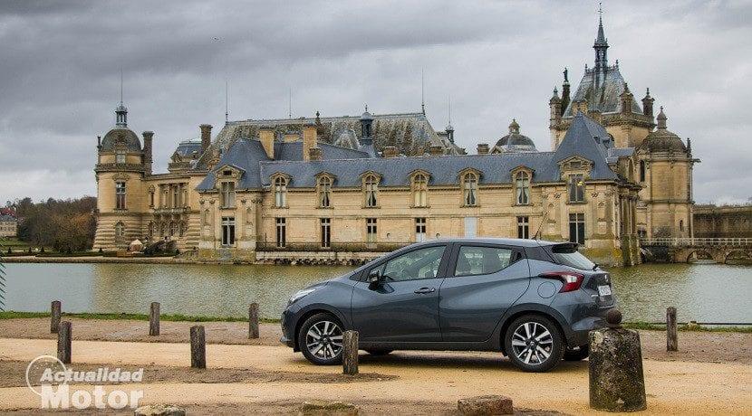 Prueba del Nissan Micra en París (lateral)
