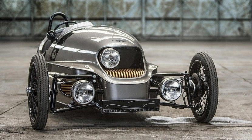 Morgan EV3 frontal clásico eléctrico