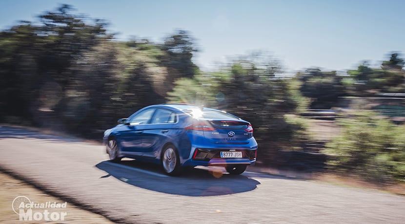 Hyundai Ioniq en movimiento