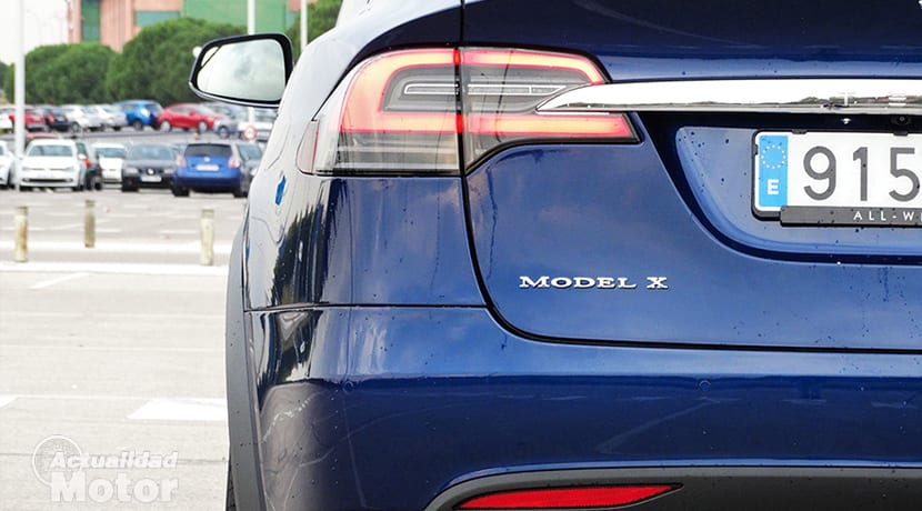 Piloto trasero Tesla Model X