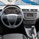 Puesto de conducción del Seat Ibiza Reference Plus