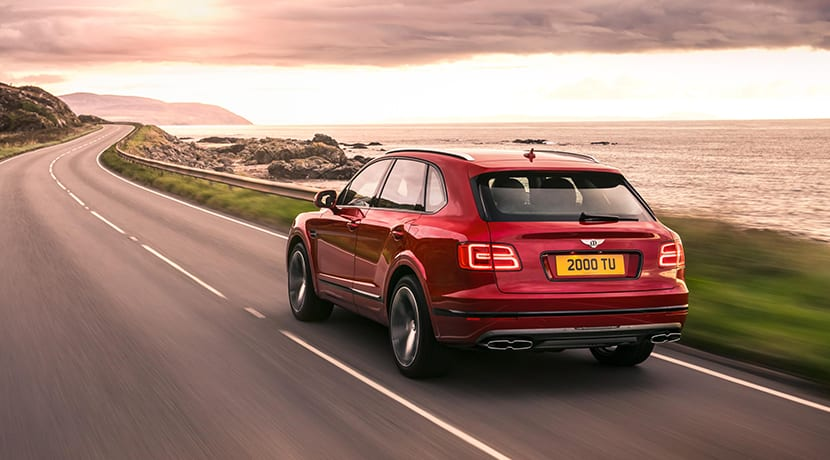 Bentley Bentayga V8 trasera