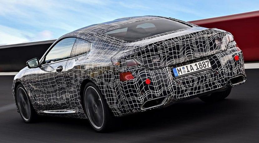 Trasera del BMW Serie 8 camuflado