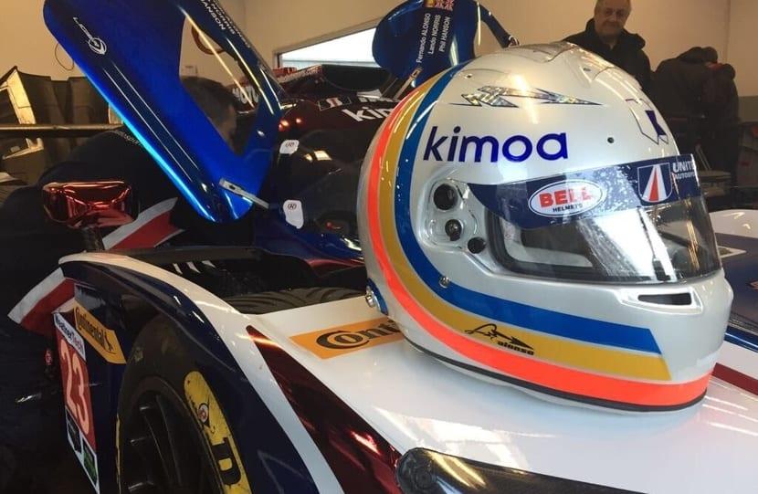 Casco Alonso para Daytona