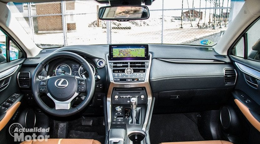 Interior del Lexus NX 300h Luxury