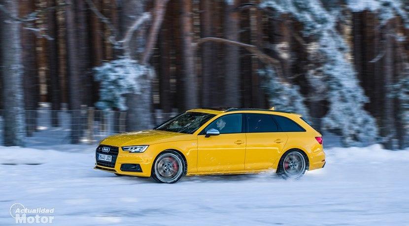Audi S4 Avant drift