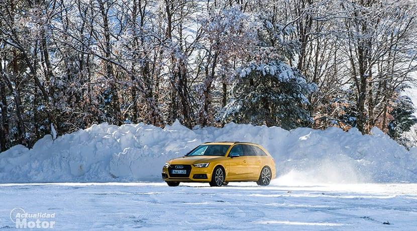 Audi S4 Avant drift en nieve