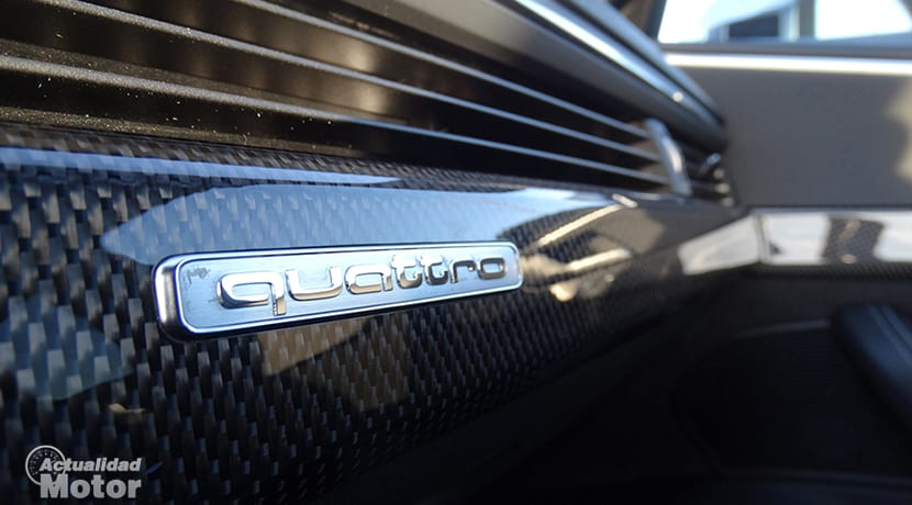 Inserciones en símil fibra de carbono del Audi S4 Avant
