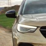 Prueba Opel Grandland X faros adaptativos de LED