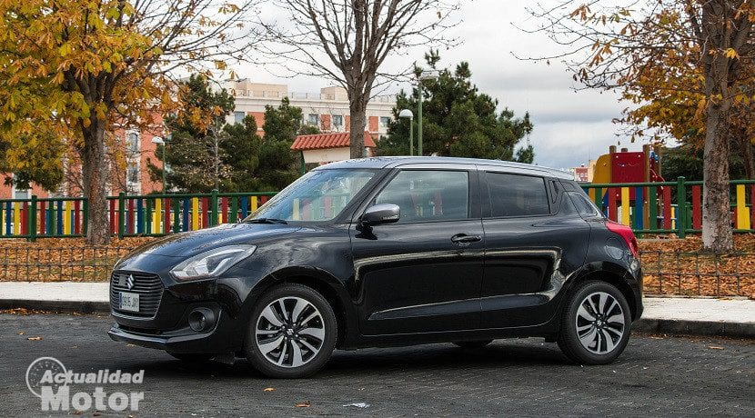 Prueba Suzuki Swift 1.0 GLX HSVS (lateral)