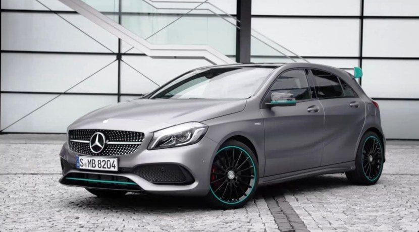 Mercedes benz llama a revisi n a los clase a clase b y cla for Mercedes benz of reno staff