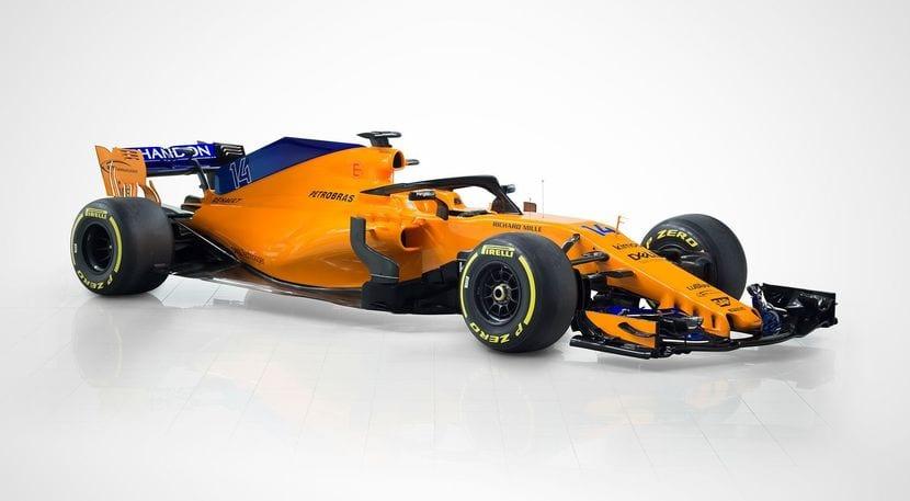 Vista lateral del McLaren MCL33